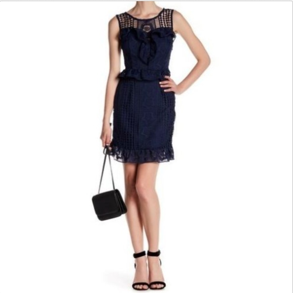 Romeo and Juliet Couture Women/'s Lace Skirt Navy Small